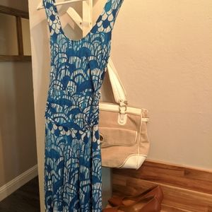 Long flowy scoop neck blue and white pattern dress